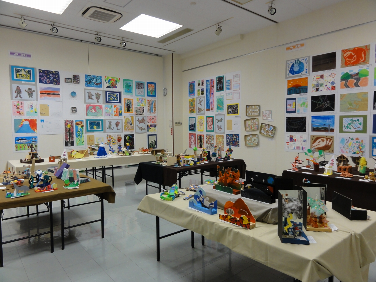 のビル展(新宿区立小学校図画工作作品展)