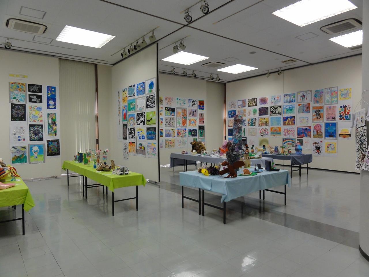 のビル展(令和元年度新宿区立小学校図画工作作品展)